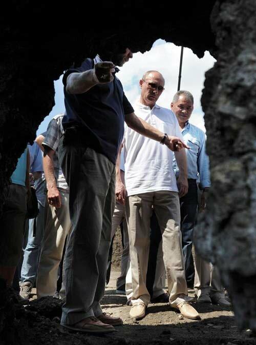 Путин в роли археолога
