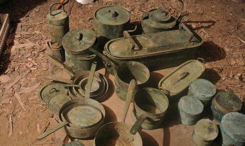 клад старинной посуды