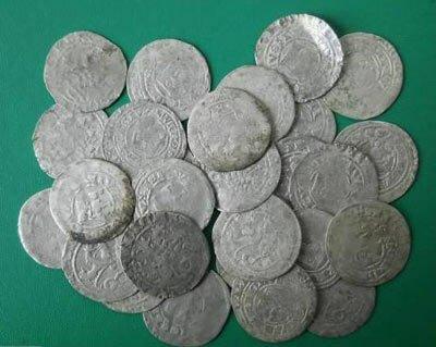 На Волыни нашли средневековый клад