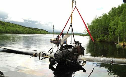 Со дна озера поднят боевой самолёт Ил-2